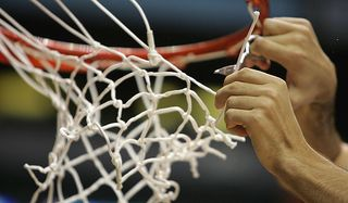 Basketball_cutting_down_net_600x350
